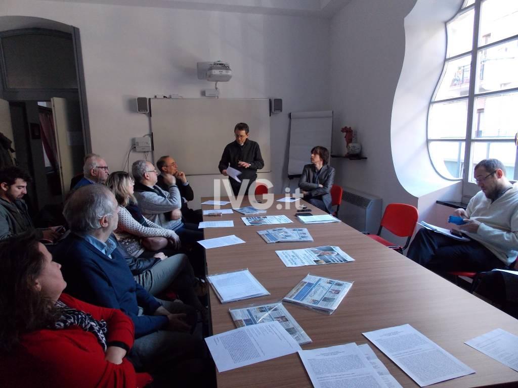 Il vescovo di Savona Calogero Marino incontra i giornalisti