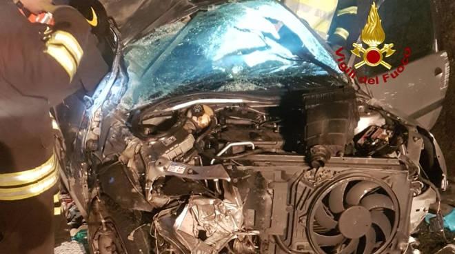 incidente autostrada, auto cappottata