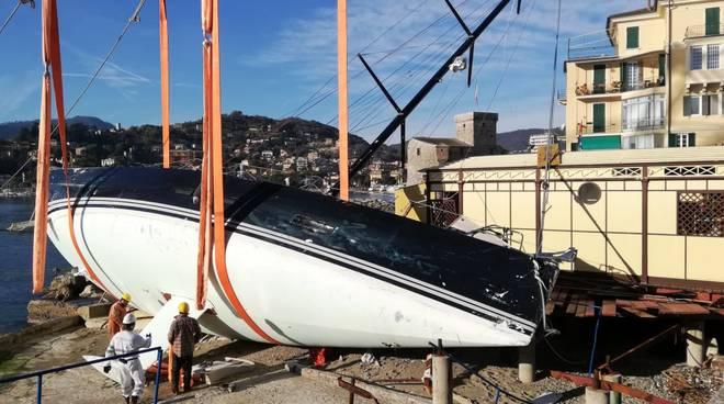 rapallo barca arenata maltempo mareggiata 2018