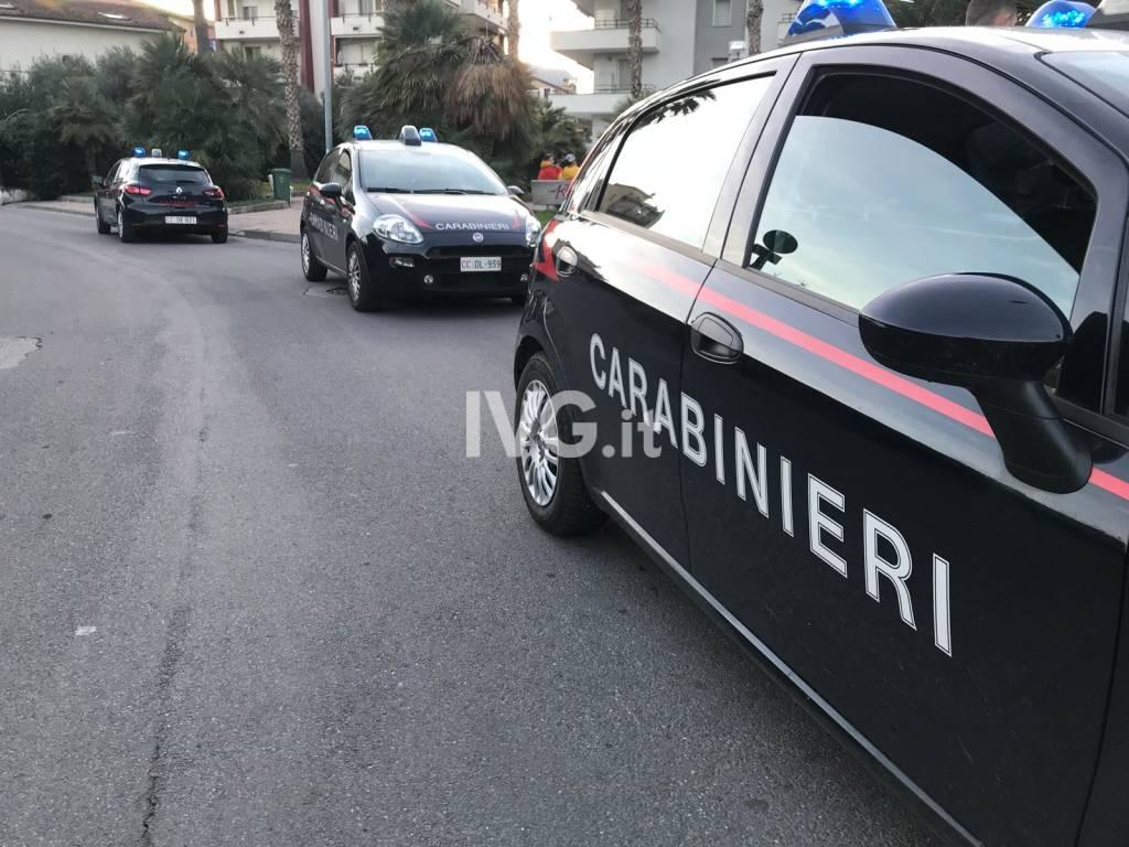 Albenga, controlli dei carabinieri in centro