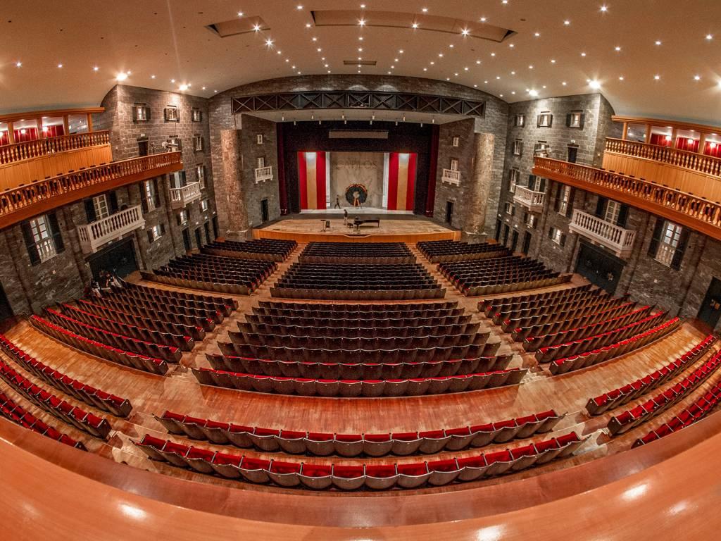 Una notte al Teatro Carlo Felice / Aperitivo & Music