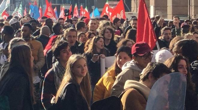 corteo studenti antirazzista