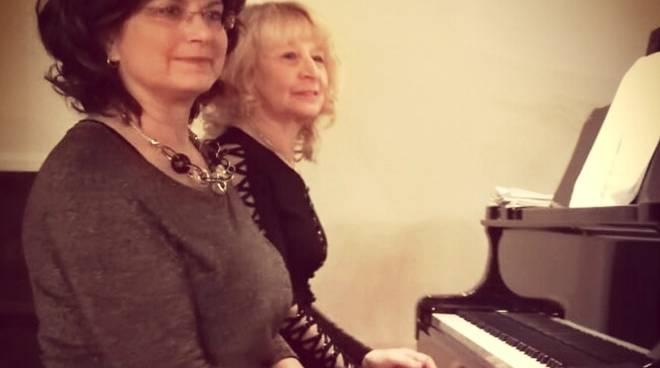 Fiorenza Bucciarelli e Silvia Gianuzzi pianiste