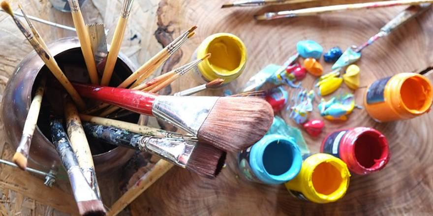 Tavolozza colori pennelli