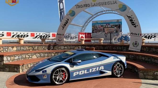 Lamborghini polizia Laigueglia