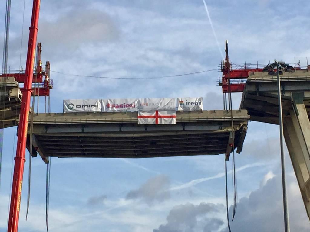 Ponte Morandi calata la prima trave 9 febbraio