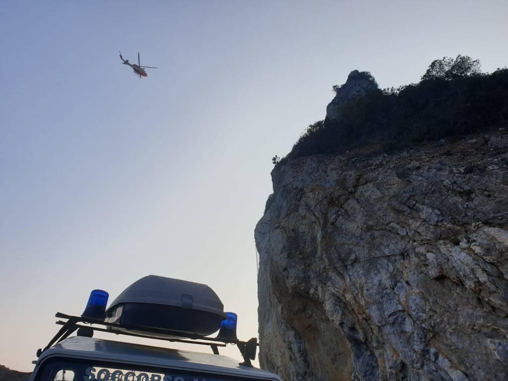 soccorso elicottero grotta
