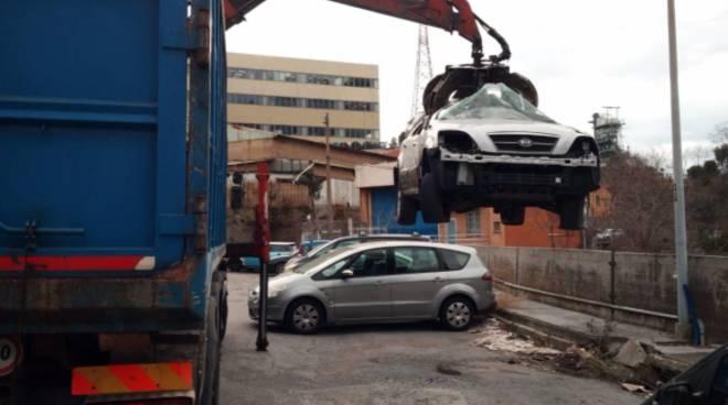 veicoli abbandonati