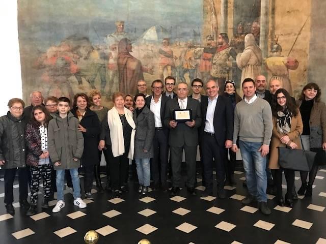 Albenga, il sindaco Cangiano premia Giuseppe Lo Bello