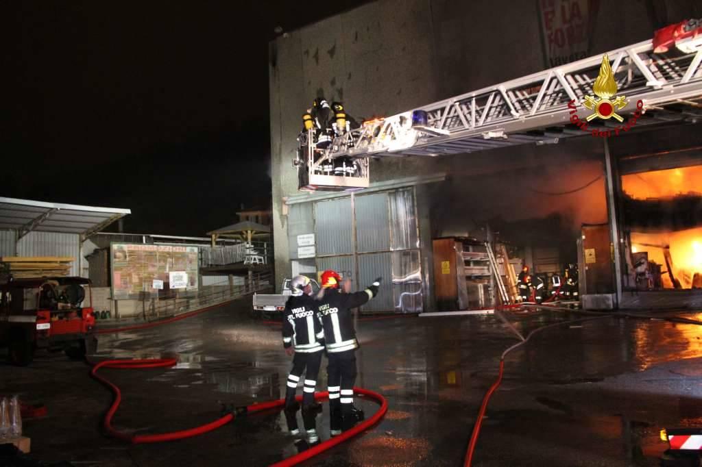Badano Falegnameria distrutta da un incendio