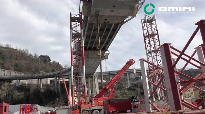 bonifica pila 10 e 11 ponte morandi demolizione