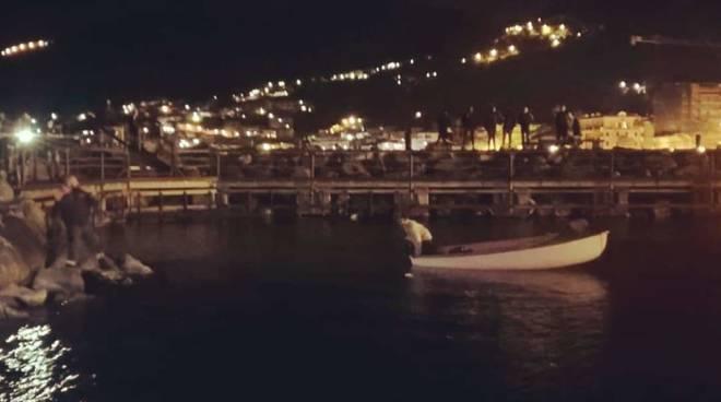 capitaneria di porto guardia costiera notte