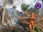 Incendio alture Voltri continua