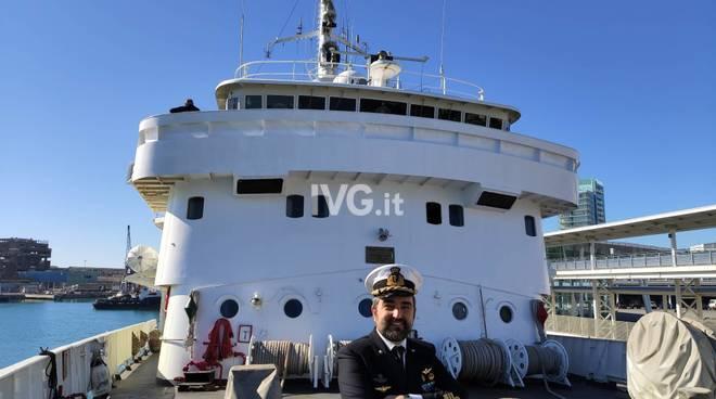Nave Magnaghi nel porto di Savona