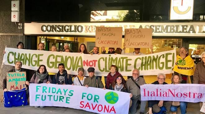 protesta sotto regione riforma parchi ambientalisti