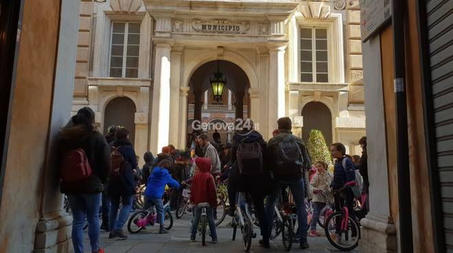 tutta genova bike to school