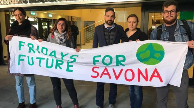 Una delegazione di Fridays for Future e Cittadini Sostenibili in Regione