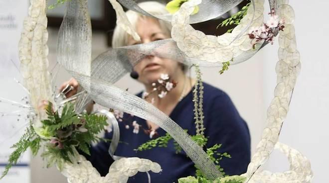 Laura Folco Decorazione Floreale