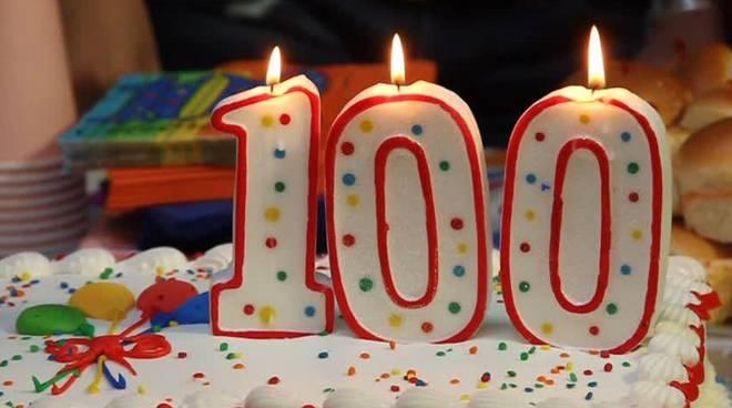 Torta auguri 100 anni