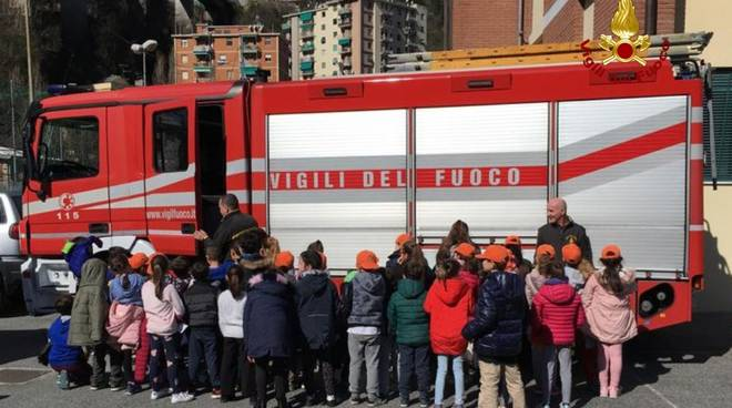 vigili del fuoco scuole studenti
