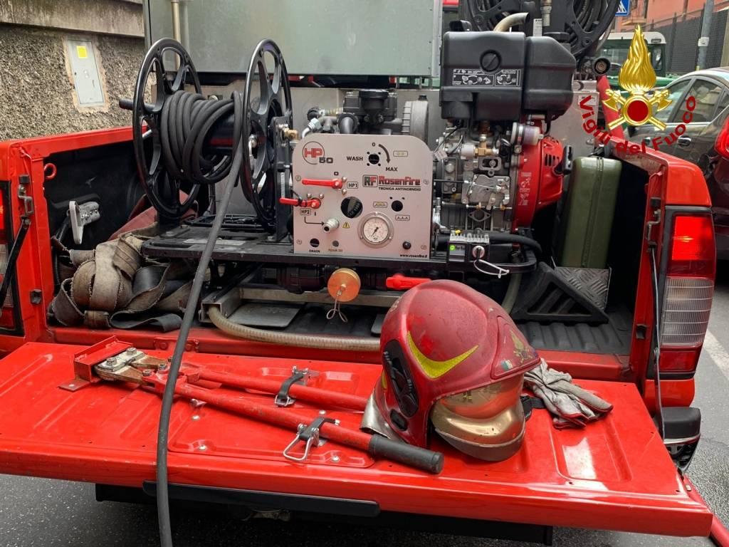 attrezzatura vigili del fuoco