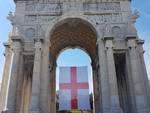 bandiera di san giorgio arco della vittoria