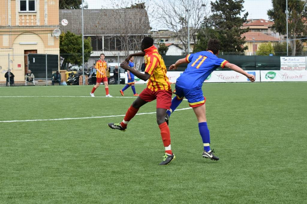 Calcio, Juniores: Dianese e Golfo contro Celle Ligure