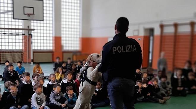 Cani polizia scuole