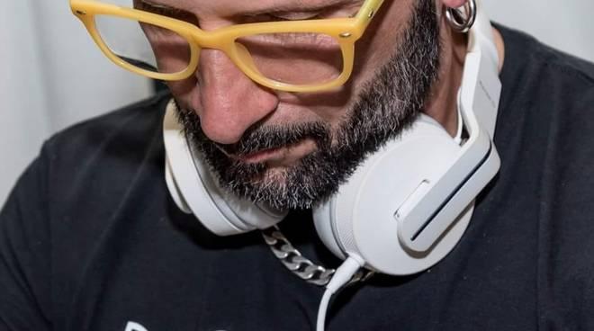 Venerdì latino con stage di bachata e sabato over 30 con disco e revival al Cezanne