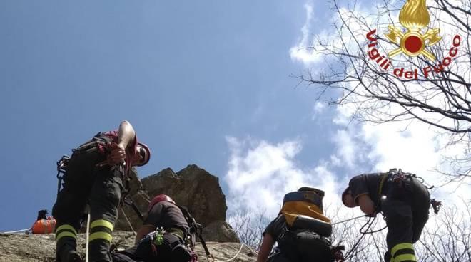 Esercitazione vigili del fuoco palestra di roccia val brevenna