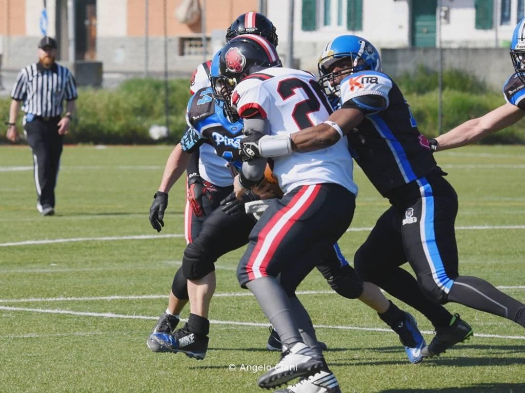 Football americano: Pirates vs Razorbacks