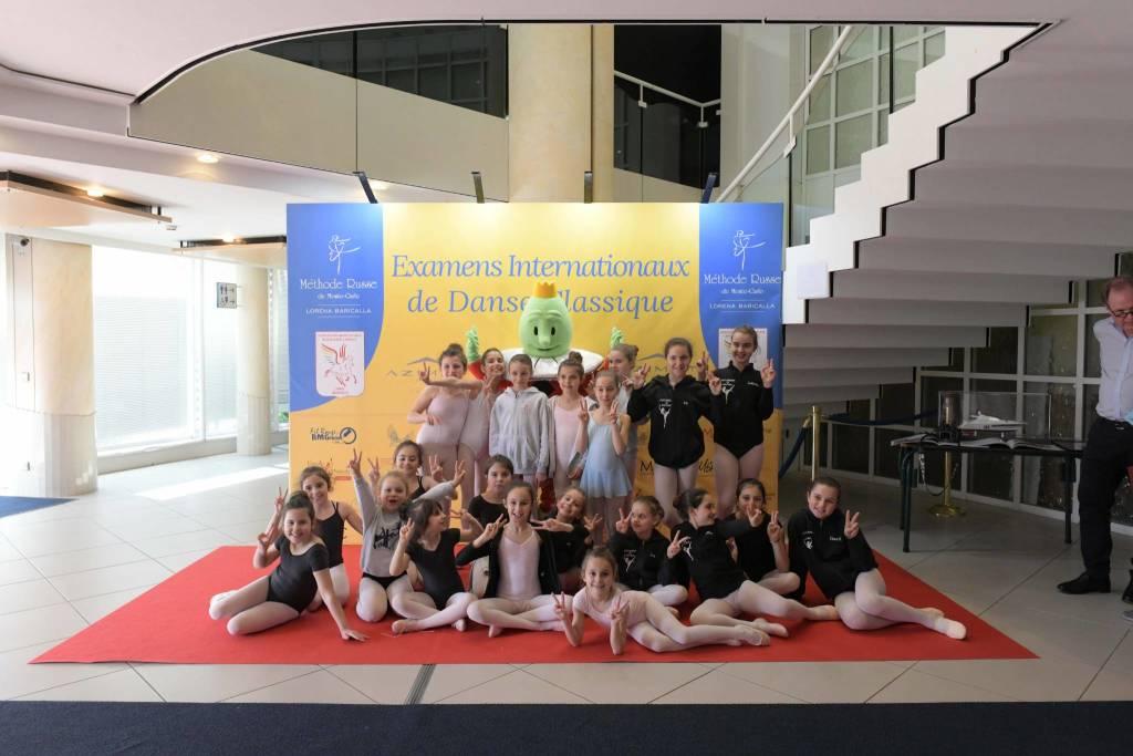 Le giovani ballerine dell'Accademia di Savona a Monte-Carlo