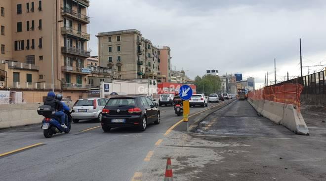 Lungomare Canepa asfalto sesta corsia