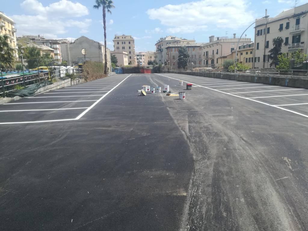 parcheggio via ruzza