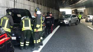 Scontro auto-moto in autostrada