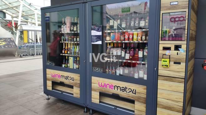 Vado Ligure, al Molo 8.44 arriva il distributore automatico di vino