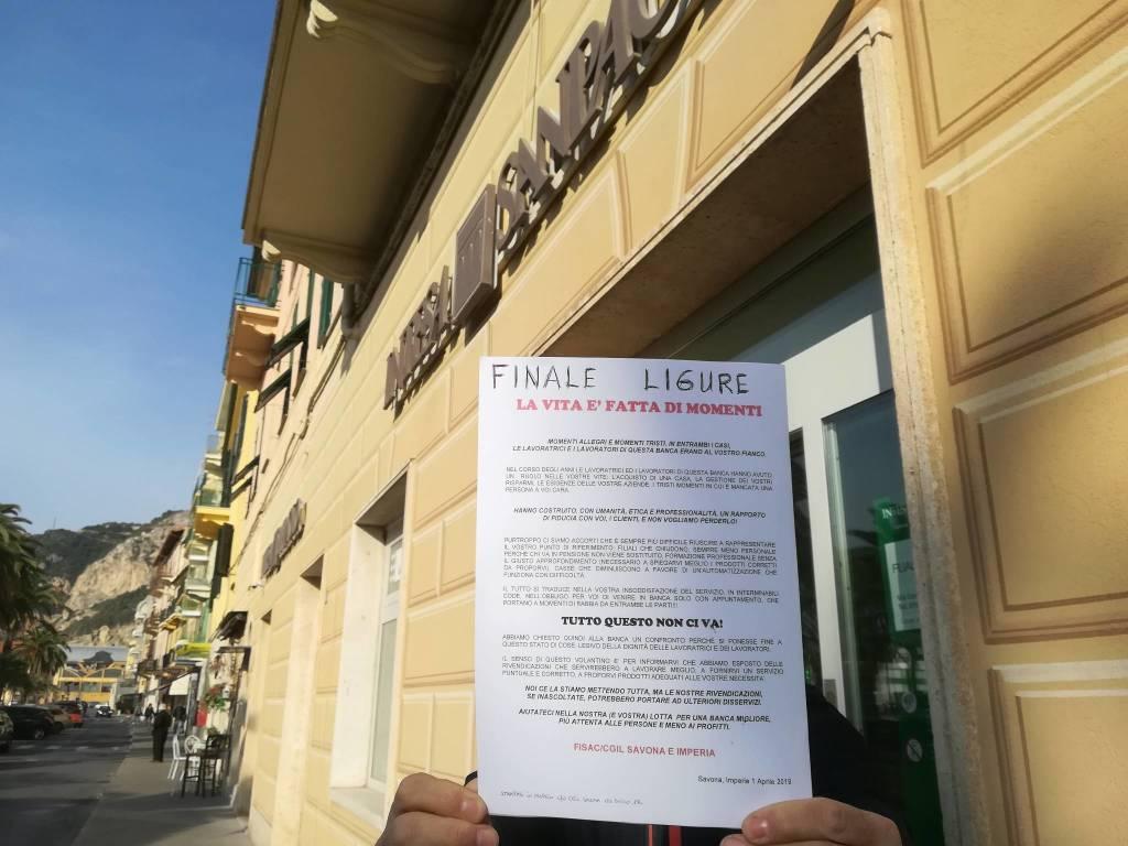 Vertenza Fisac Cgil-Intesa Sanpaolo: volantinaggio davanti alle filiali savonesi
