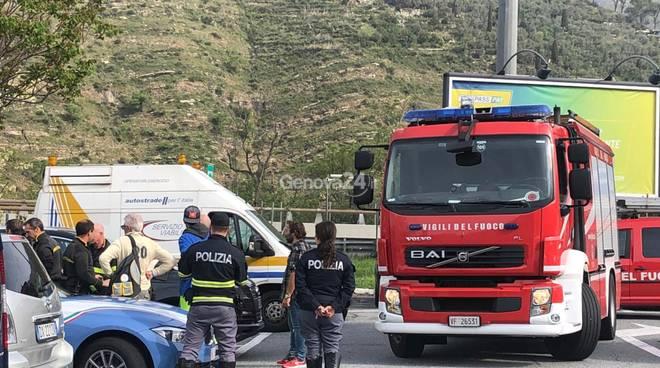 Vigili del fuoco autogrill Genova