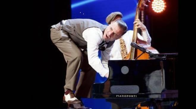 Antonio Sorgettone pianista acrobata