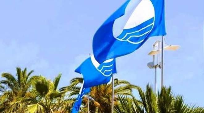 bandiera blu ceriale