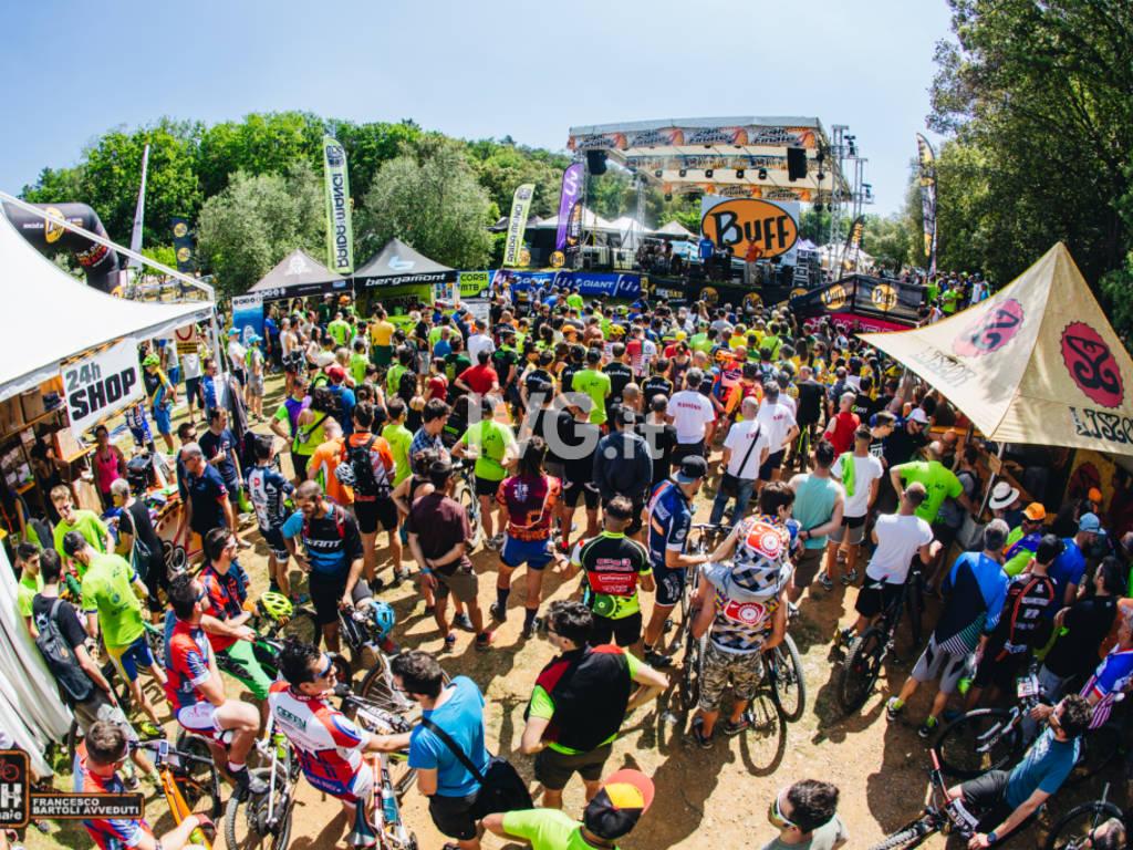 Ritorna la 24H of Finale Ligure, giunta alla XXI edizione Da venerdì 31 maggio a domenica 2 giugno sull'altopiano delle Manie a Finale Ligure.