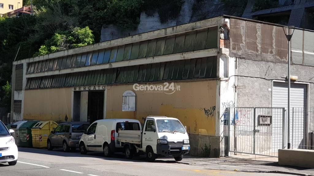 fabbrica del riciclo mercato via bologna