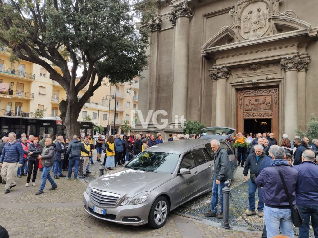 Funerali Leonardo Bracco