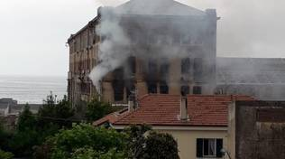 Incendio ex Cantieri Rodriguez Pietra Ligure