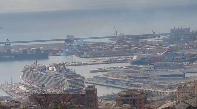 Nave saudita, presidio dei lavoratori portuali a Genova