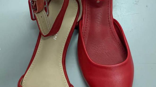 rapina furto scarpe