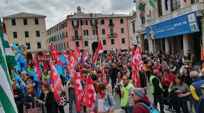 Savona e Albenga, migliaia di persone alla manifestazione del Primo Maggio