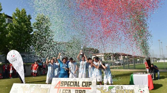 4 Special Cup