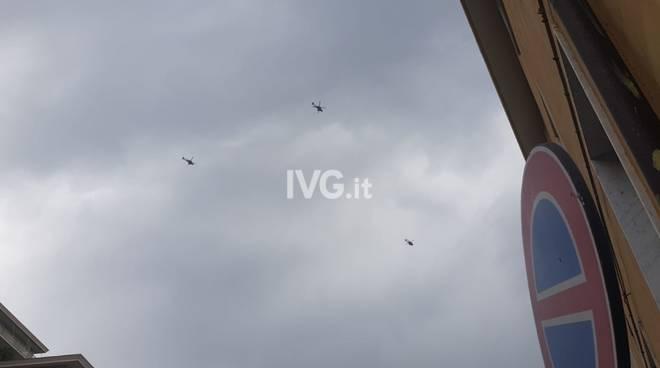 Elicotteri militari sopra il savonese