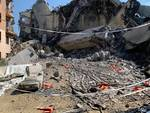Esplosione Morandi, le macerie dopo il crollo